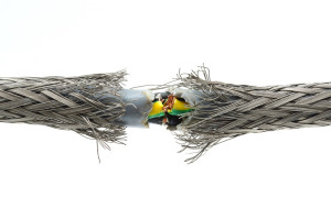 Повреждение кабеля